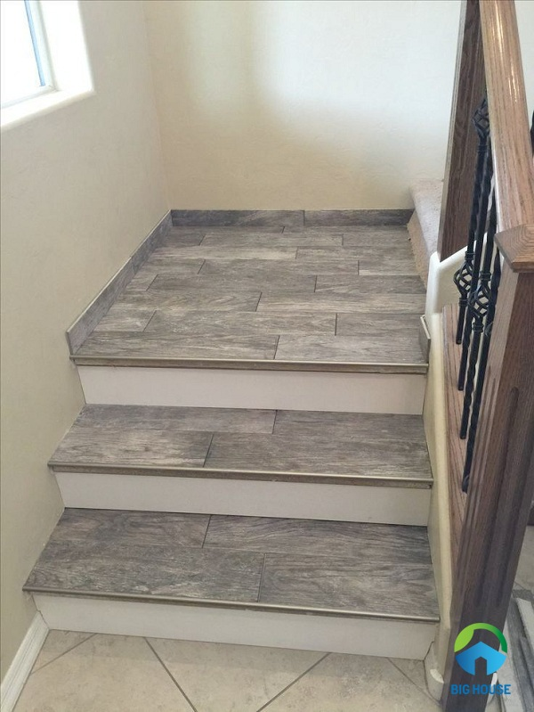 gạch giả gỗ lát cầu thang 3