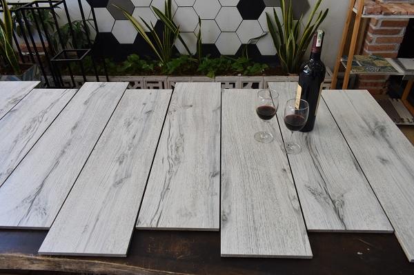 Gạch giả gỗ màu trắng: Top mẫu đẹp – Chuẩn xu hướng 2021