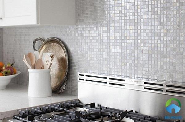 gạch ốp bếp màu trắng mosaic 2