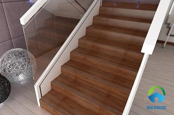gạch ốp cầu thang giả gỗ
