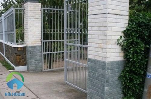 mẫu gạch ốp trụ cổng sang trọng