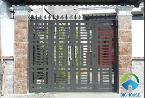 gạch ốp trụ cổng sang trọng