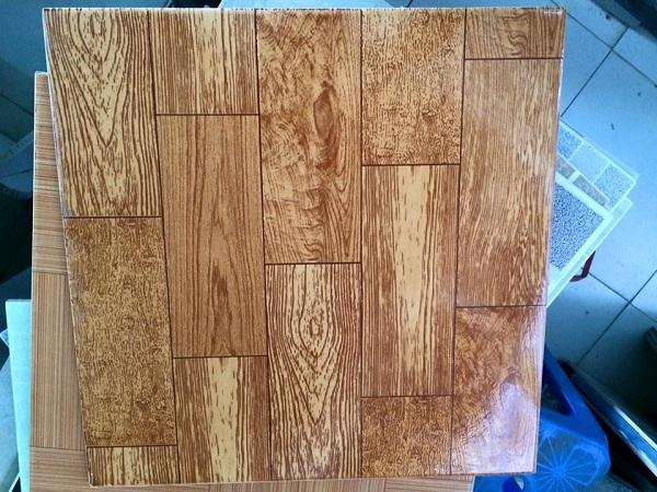 Gạch giả gỗ 40×40: Top mẫu Đẹp kèm cách sử dụng Chuẩn